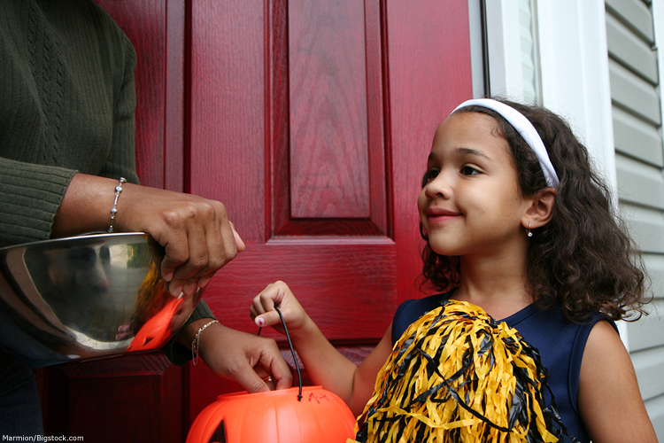 Six Kid Friendly Halloween Treat Alternatives For Kansas City Parents
